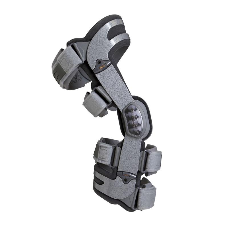 Как лечить поврежденный ноготь на руке